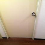 【凶暴化2日目-1】猫を寝室に閉じ込める